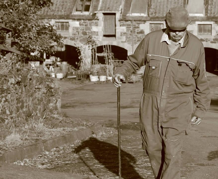logie farmer